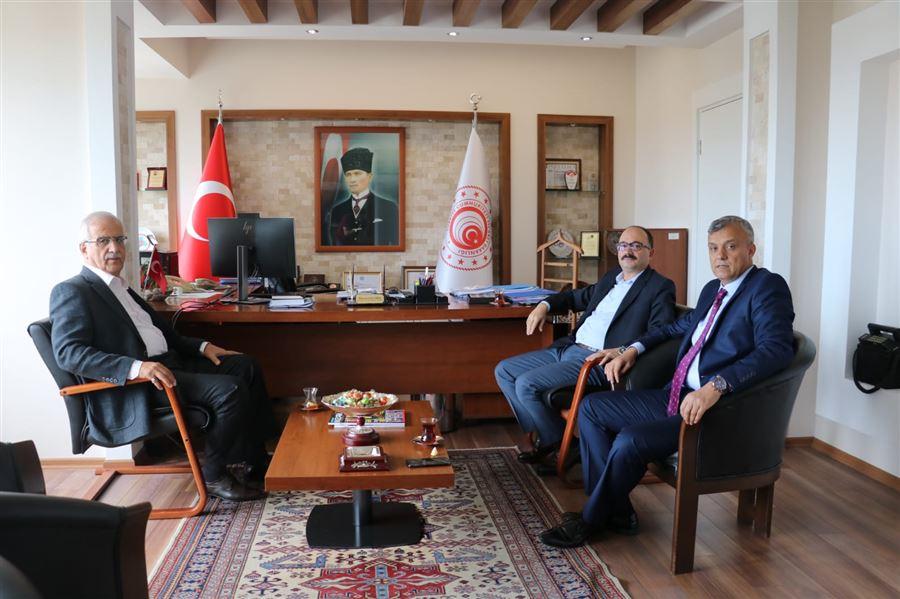 26.Dönem AK Parti Bursa Milletvekili Sayın Muhammet Müfit AYDIN ve Sayın Osman MESTEN'in, Bölge Müdürümüz Sayın Hüseyin ŞANVERDİ'ye Ziyaretleri